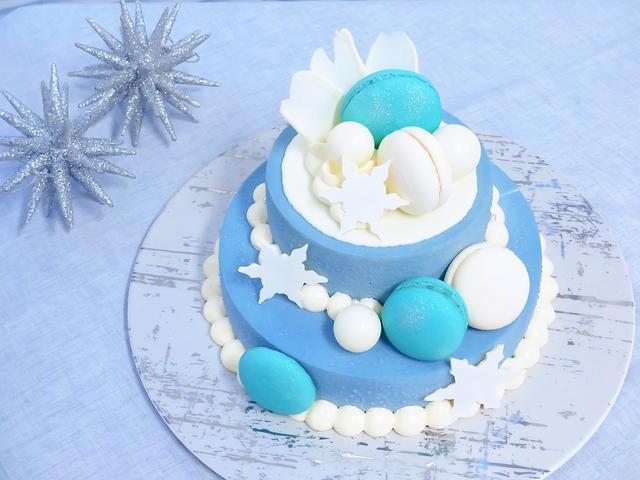 画像: Bon Vivant SWEETS & SANDWICHES(ボン ヴィヴァン) Snow Glitter Cake(φ18cm・上段φ12cm・H14cm)価格:¥6,458(税込) ※限定100個