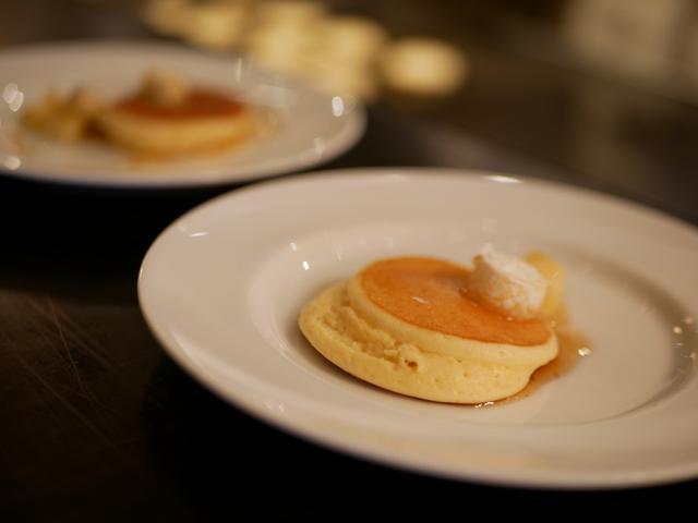 画像: ホテル自慢のパンケーキはミニサイズだからいくらでも食べれちゃいます!