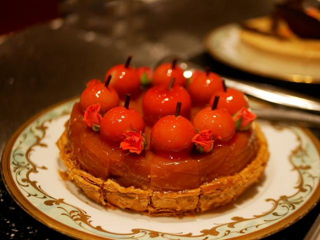 画像: スパイス香るリンゴのパイも最高!