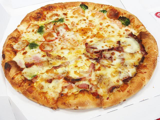 画像: ピザハット渾身の贅沢ピザ「こだわりプレミアム 4」