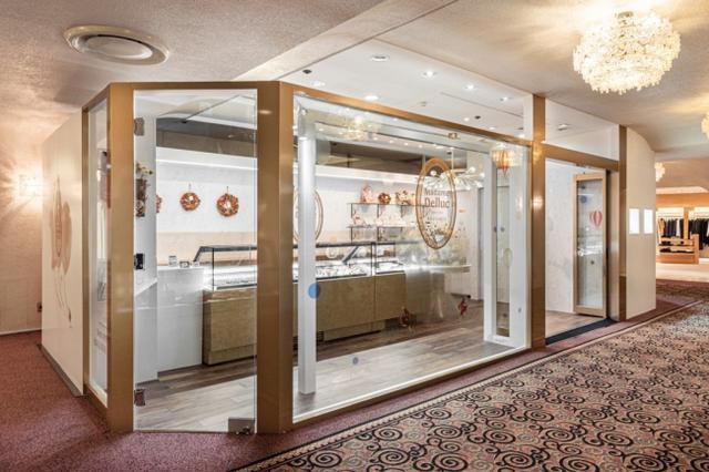 画像1: 【レポ】ベルギー王室御用達、100年の歴史のチョコレート「Madame Delluc(マダム ドリュック)」ニューオータニ店 がグランドオープン