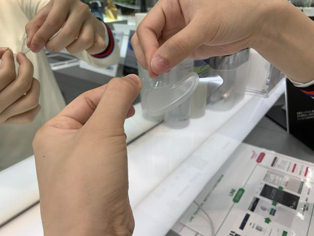 画像2: シート1枚で1200本のヒアルロン酸針を使っているナビション HAフィルパッチ