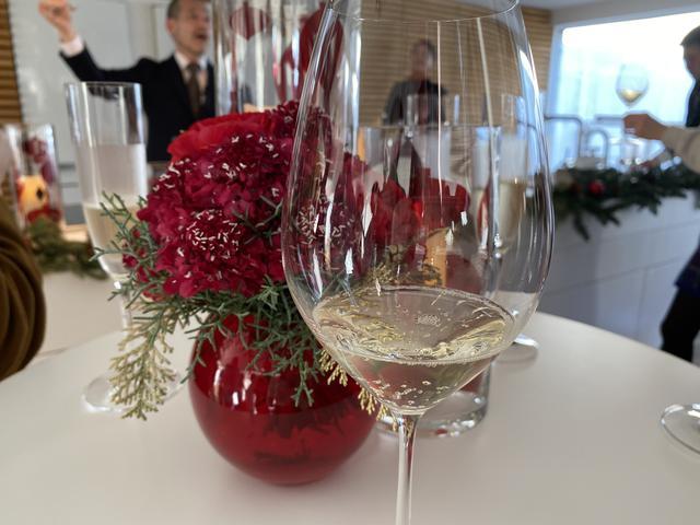 画像: グラスにこだわることでワインをより楽しめますよ。