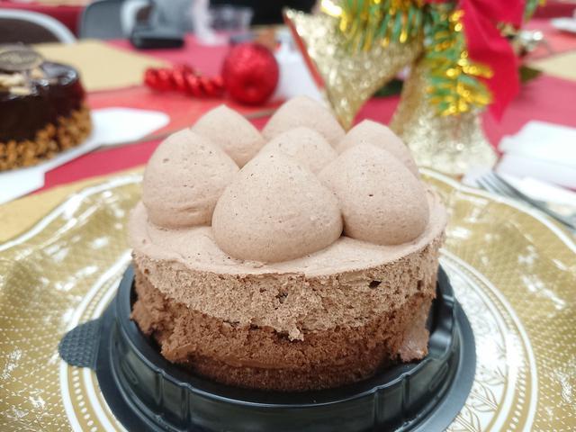 画像: トップス監修 ミルクチョコケーキ