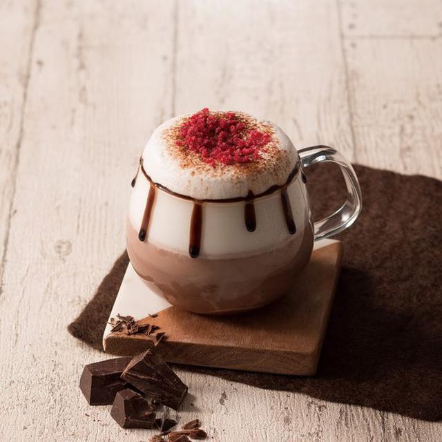 画像: 甘酸っぱいピーチメルバ×ホットチョコレートの バレンタインにお届けする特別感満載ドリンク 『ショコラ・ピーチメルバ』