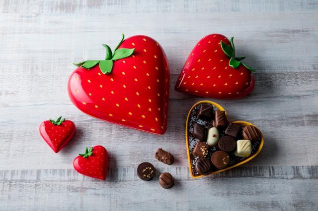 画像1: 【ヒルトン東京】苺ボックスのバレンタインチョコレート