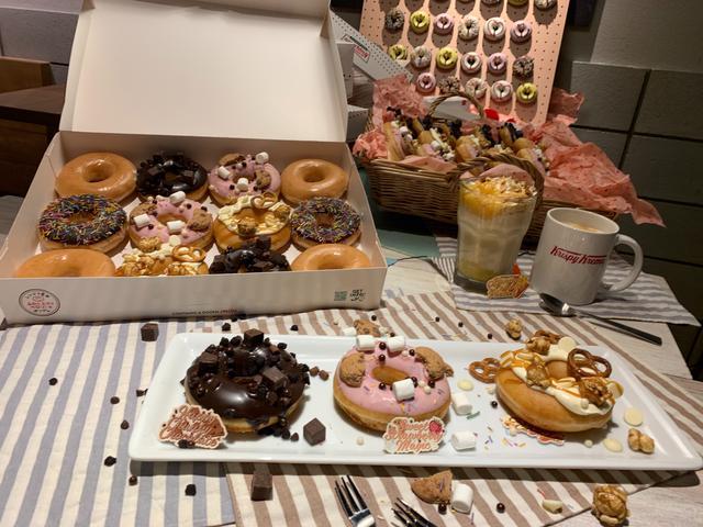画像2: 【試食レポ】バレンタインに甘いドーナツはいかが?クリスピークリームドーナツ『SWEET SURPRISE BOX』