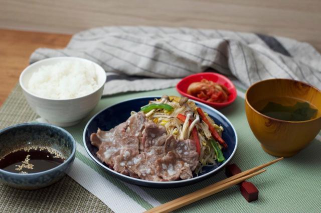 画像: 塩麴漬けラム肩ロース定食  1,680円・税込
