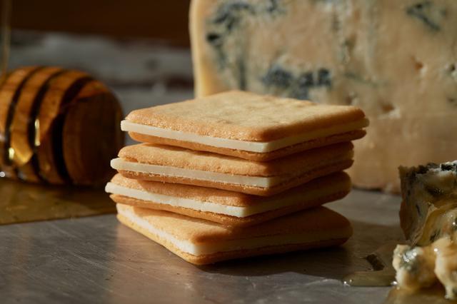 """画像3: ホワイトデー限定!「東京ミルクチーズ工場」より、人気のクッキー2種詰合せが""""限定ギフトボックス"""" に入って新登場"""