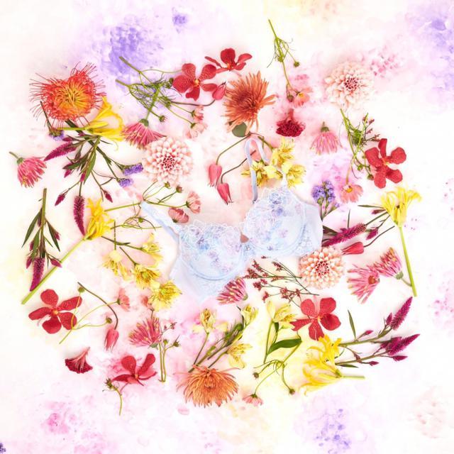 画像7: 「パルファージュ」がフラワーアーティスト前田有紀とコラボ!発表会にはオリジナルフラワードレスを着用した、わたなべ麻衣さんが登場