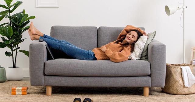 画像: コアラソファー: 寝具メーカーが追求した快適な座り心地
