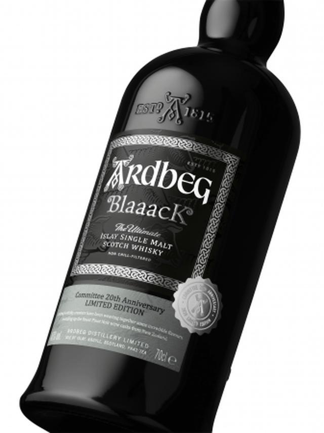 画像1: 【アードベッグ】初のニュージーランド産ピノ ノワールの赤ワイン樽を使用!黒い羊をイメージした真っ黒なボトル『ARDBEG Blaaack(アードベッグ ブラック)』