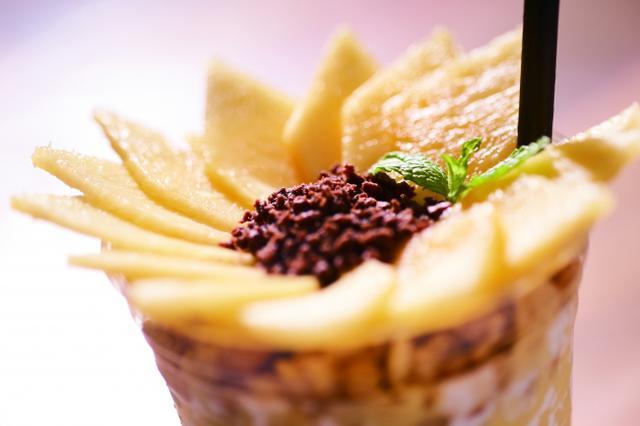 """画像1: BOTANIST Tokyo人気メニューのレシピを初公開!自宅で楽しみたい""""ひまわりの花咲く""""スムージー"""