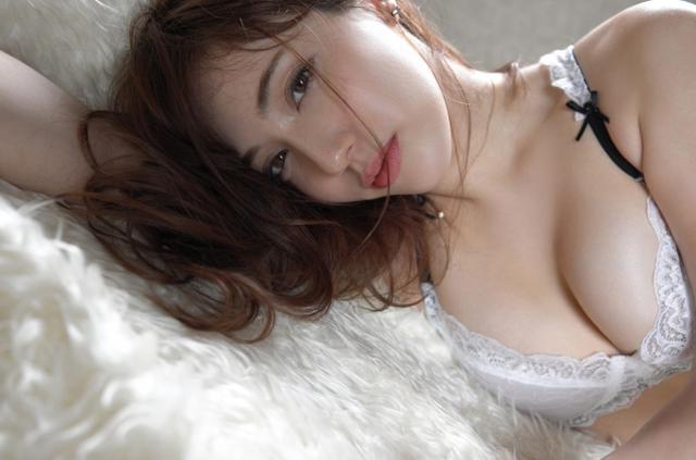 画像1: エモボディ・フィットネス女子として注目度急上昇!朝比パメラ小学館からデジタル写真集リリース決定!