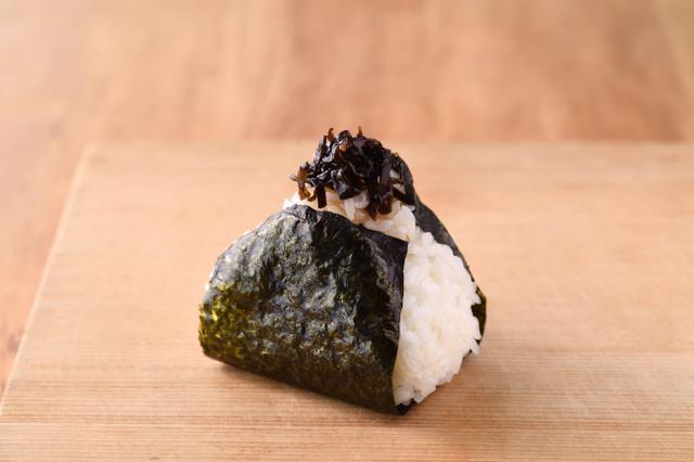 画像: 昆布  130円+税 歯切れの良いきくらげが入った日高昆布の佃煮