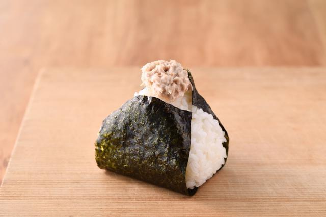 画像: ツナマヨネーズ 130円+税 ツナとマヨネーズの絶妙なバランスが人気