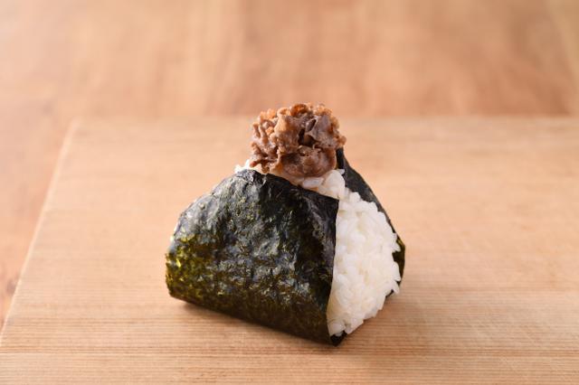 画像: 牛しぐれ 380円+税 国産牛サーロインを贅沢に使用