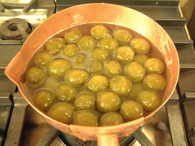 画像1: 青梅の甘露煮 ~煮るときのコツを抑えるだけで、甘酸っぱいこの時期だけの味わいに!~
