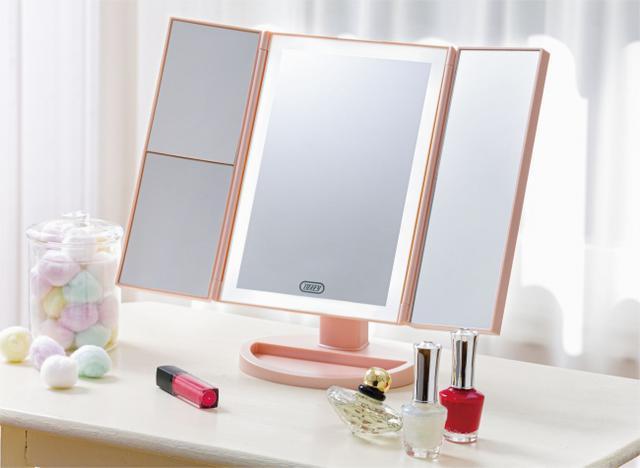 画像1: 明るく光るLEDライトと拡大鏡でお顔の細部まで素敵にメイクアップ「Toffy Beauty LEDトリプルミラー」