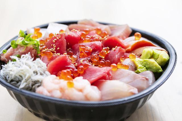 画像: 世界で一つのオリジナル海鮮丼が作れる「あなたにおまかせ丼」をテイクアウトで展開