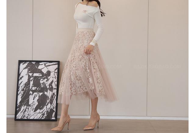 画像: おすすめコーデ⑦ オフショル×チュール柄スカートで華やかコーデ