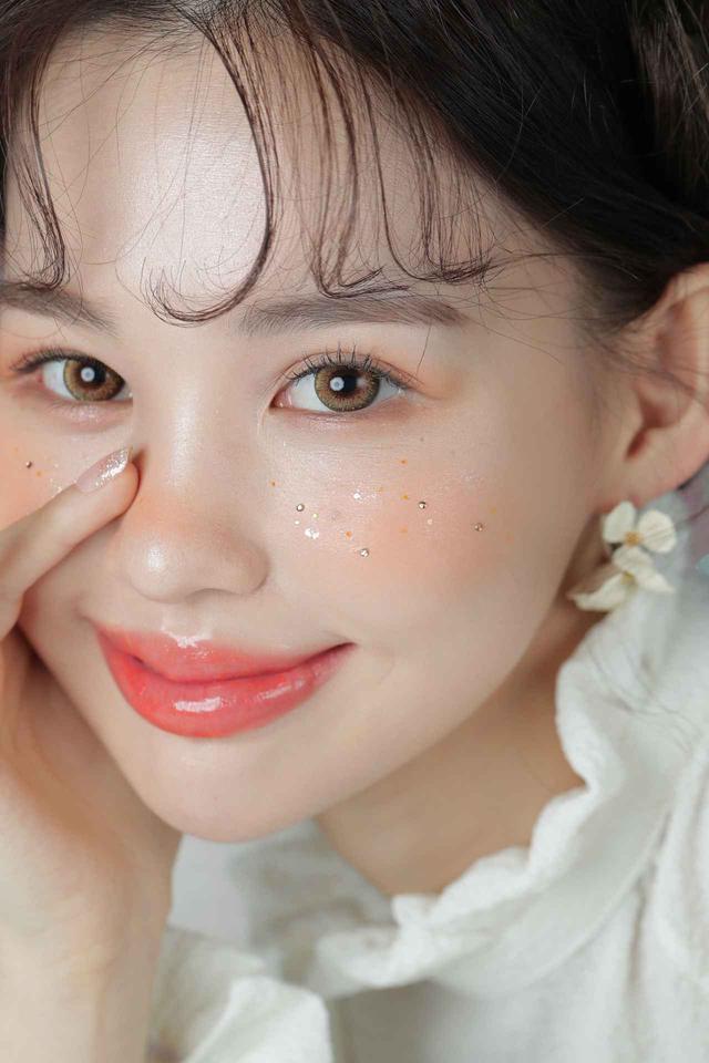 画像5: 韓国コスメセレクトショップ「CREE`MARE」が選ぶ!「VAVI MELLO」でつくる!マスクをしてても楽しめる夏のグリッターメイク❤