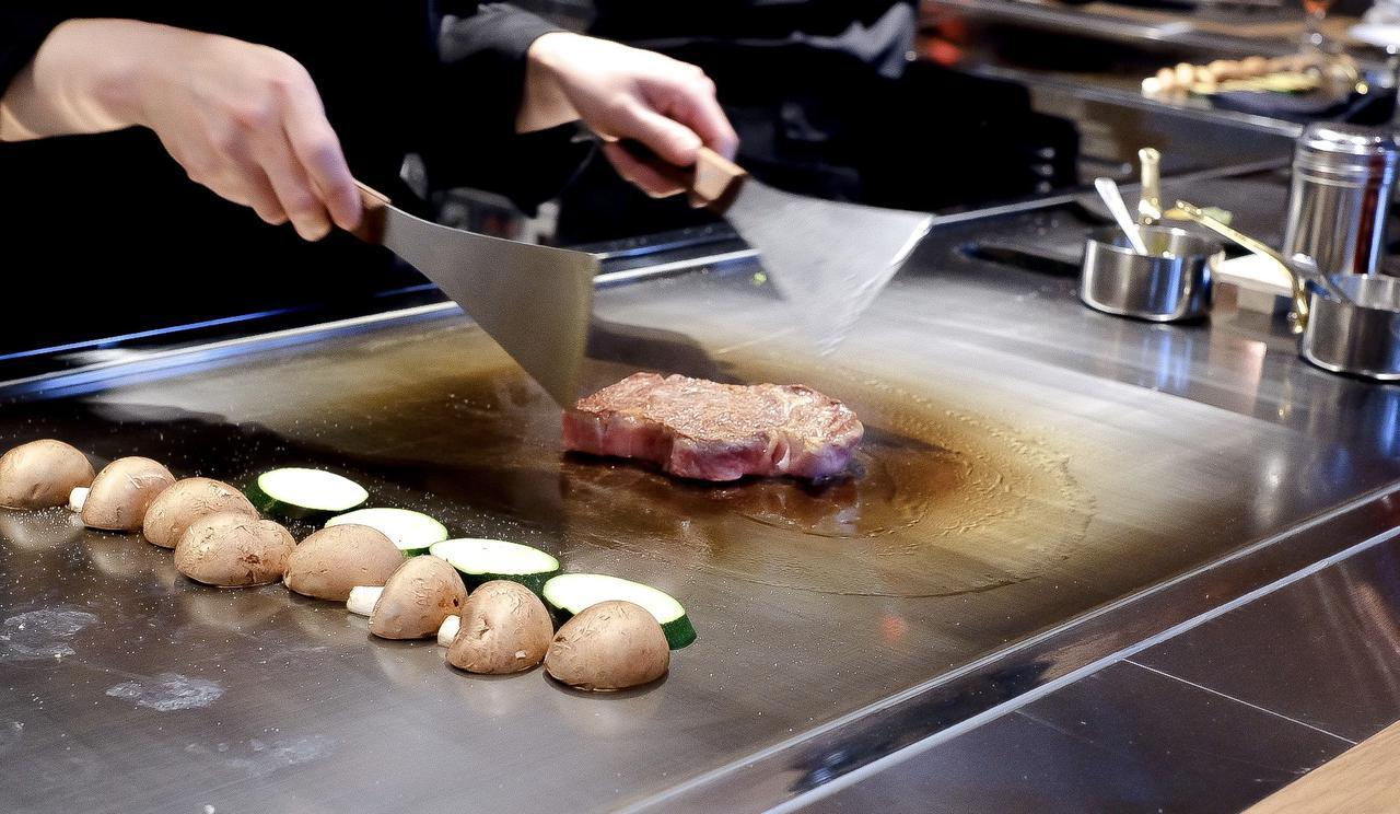 画像: 本日の逸品料理(宮城県産仙台牛のロース)
