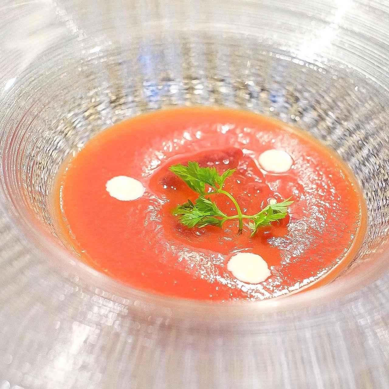 画像: 冷製トマトのスープ 青唐辛子とマッシュポテトのピュレ
