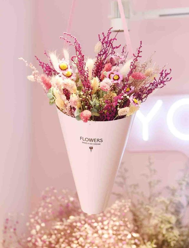 画像2: 体験型フラワーショップとカフェの複合店舗フラワーライフスタイルブランド 「FLOWERS BAKE & ICE CREAM」がオープン