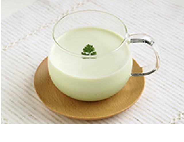 画像: タカナシ 低温殺菌牛乳を使用した枝豆ひんやりミルクスープ