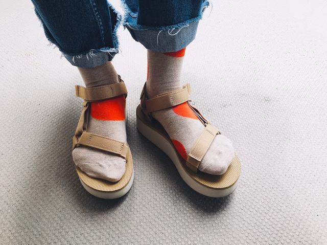 画像3: Happy Socksの店舗スタッフがオススメする 「Happy Socks x サンダル」コーディネート
