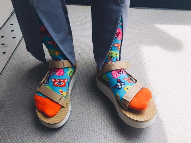 画像2: Happy Socks 店舗スタッフおすすめ!Happy Socks x サンダルコーデ
