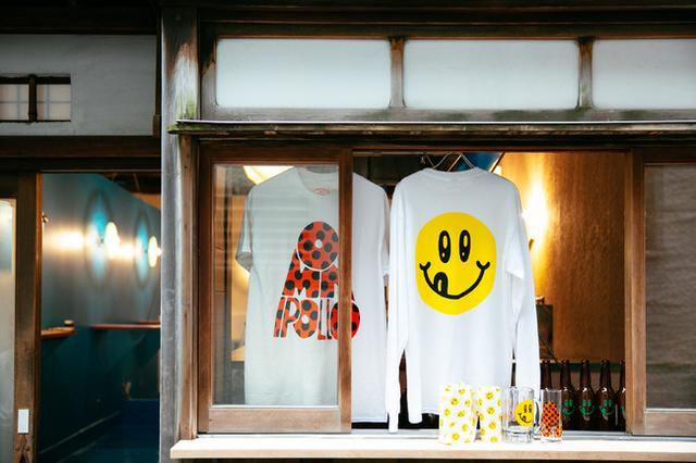 画像: <8月1日時点 オリジナルグッズ価格(全て税込)> Tシャツ 5,800円 / ロング Tシャツ 6,800円 グラス 1,800円 / ジョッキ 3,800円