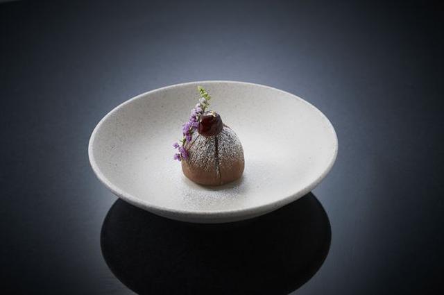 画像: 『モンブラン』 ザ・モンブランといった、巾着型の王道秋のケーキ。国産の純和栗を100%使用した、モンブラン好きの方がお楽しみいただける新作です。
