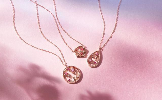 画像: From left K10PG Necklace/ Ruby/Topaz/ Tourmaline/ Diamond ¥34,000+Tax K10PG Necklace/ Ruby/Topaz ¥24,000+Tax K10PG Necklace/ Ruby/Topaz/ Tourmaline/ Diamond ¥32,000+Tax