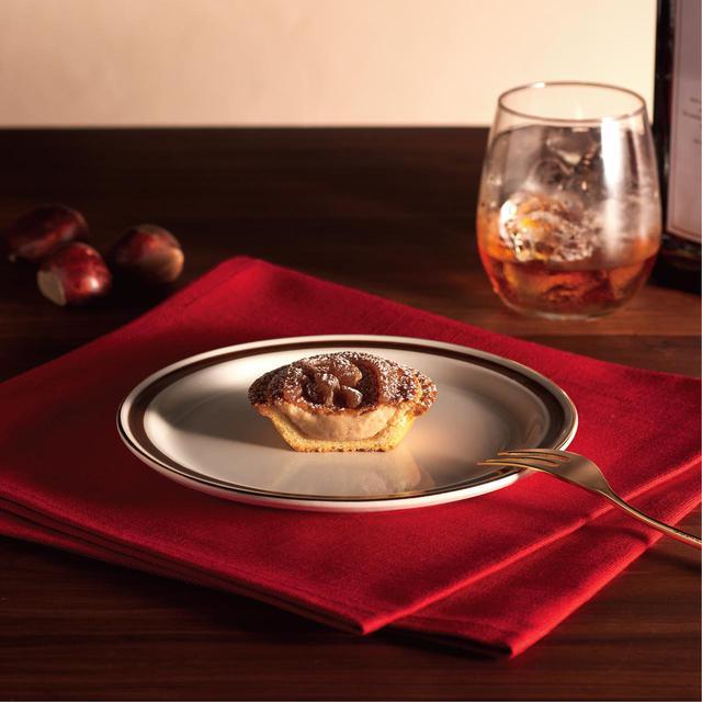画像2: 華やかな見た目と優しい甘みを楽しめるチーズタルト×モンブランのご褒美感満載のフレーバー「モンブランチーズタルト」