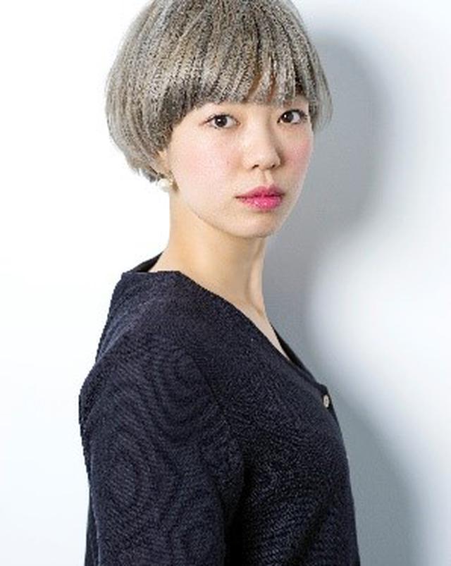 画像2: 人気メイクアップアーティストのpaku☆chanが教える秋のベースメイクのトレンド「ふんわりスフレ肌」の作り方