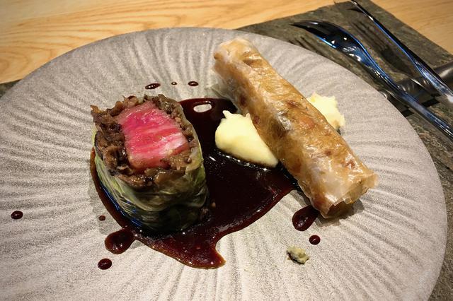 画像: 「村上牛」のブルギニョン 芳醇な赤ワインソース 野菜のシガー添え