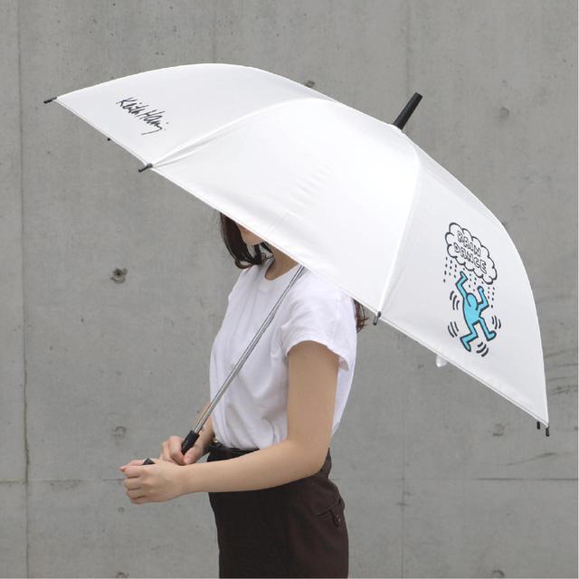 画像2: 秋雨に使いたい!キース・へリングのビニール傘がセブン-イレブン店舗とセブンネットショッピングで買える!