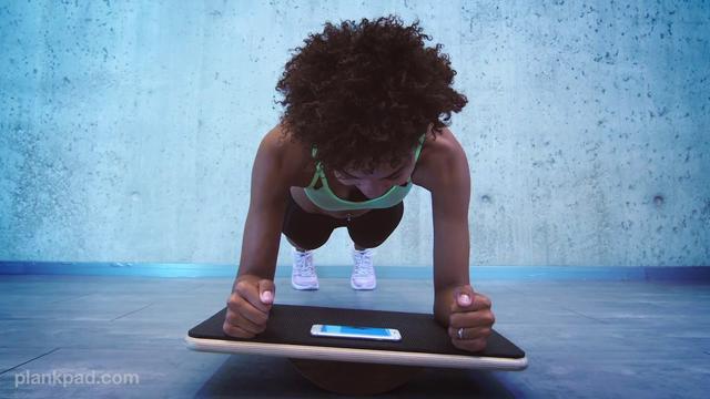 画像: Plankpad - Strong Core, 6-Pack Abs, No Back Pain while Playing a Game (short Version) www.youtube.com