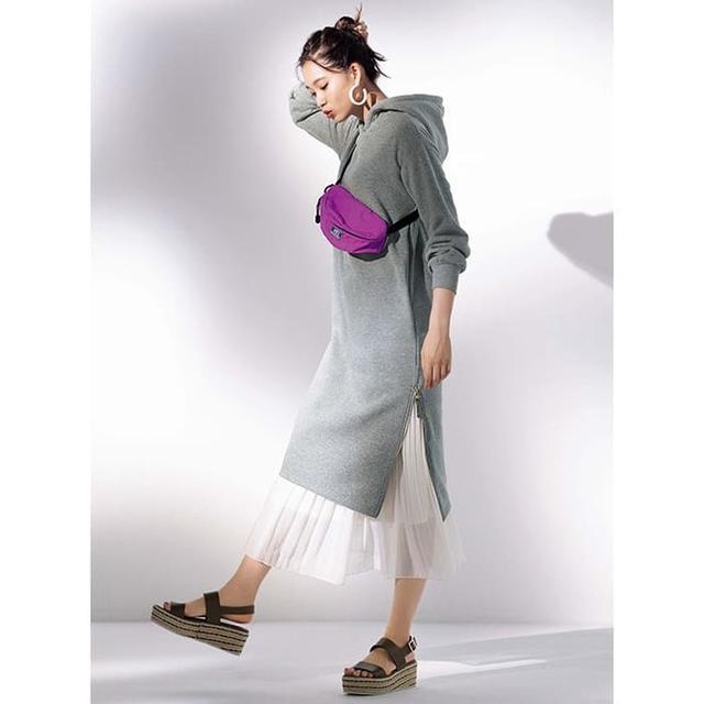 画像: 裏起毛裾ファスナーパーカーワンピース 1,990円(税別)