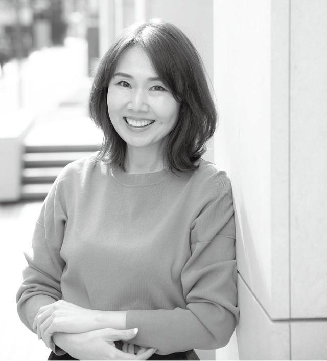 画像: 尾崎亜佐子 美容ライター 女性ファッション誌やwebサイトで ビューティ&ヘア記事を担当。パーソナルカラーアナリスト・骨格診断士・ポジディブ心理学インストラクター。