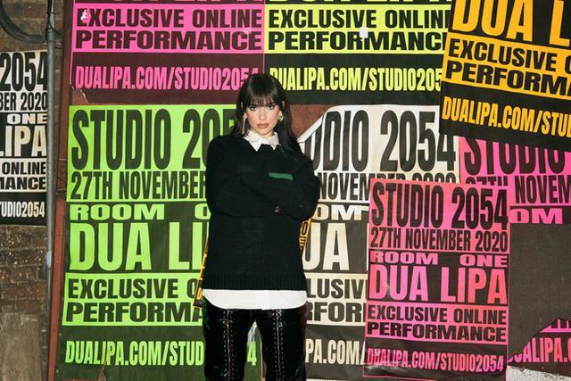 画像2: 全世界で最もホットなアーティストとして注目を集めるミレニアル世代を代表するUKポップアイコンDua Lipaの最新ライブ「STUDIO 2054」が配信決定!