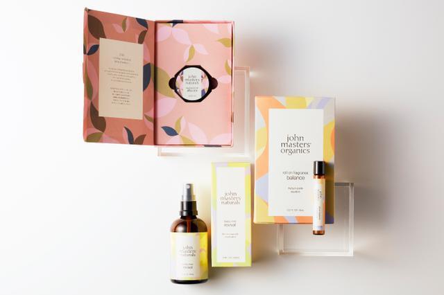 画像: 一年を静かに振り返る、この時期にふさわしい香り…ホリデーコレクションよりフレグランスアイテムが誕生