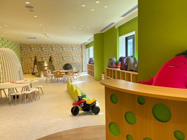 画像3: 館内のどこにいても森が見渡せる!大人も子供も大満足の館内