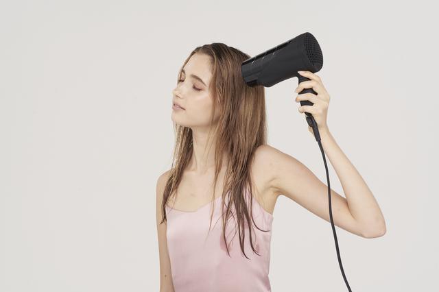 画像1: 【試用レポ】髪だけでなく全身のケアができる新感覚ドライヤーCALEA(カレア)の「復元ドライヤー」