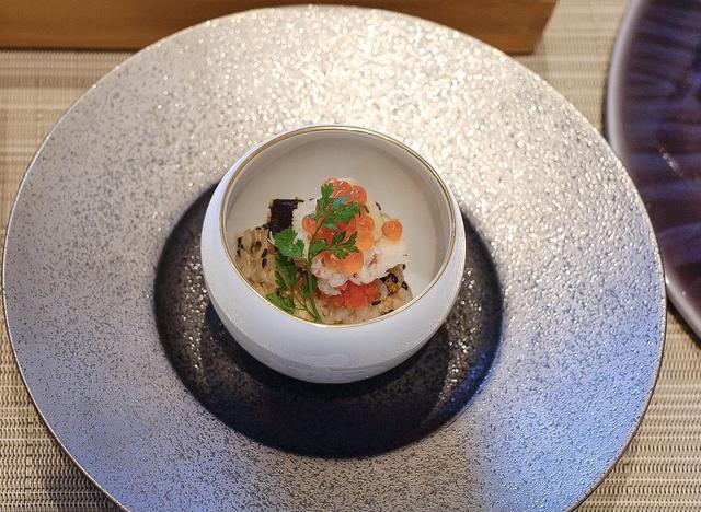 画像: ●お食事 発芽玄米「金のいぶき」華寿司・温泉水のお吸い物