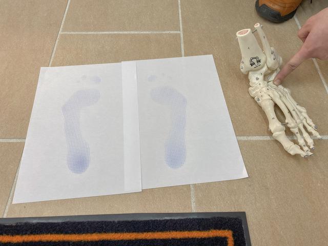 画像2: 実際に足を採寸!