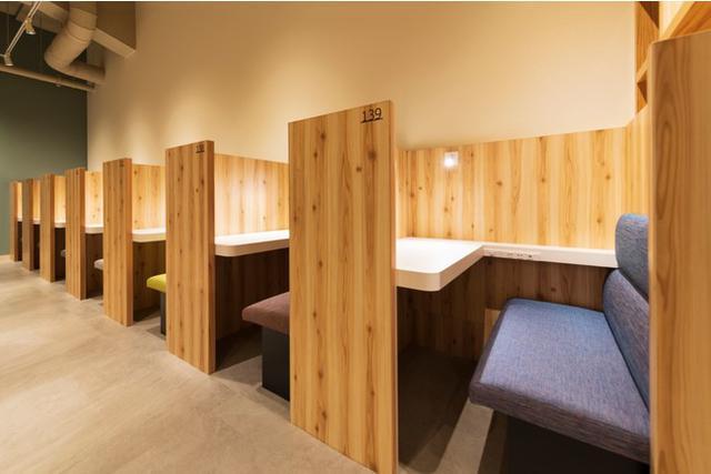 """画像3: 電源・Wi-Fi・完全個室有!自由に使える""""おひとり様向け新スタイルプライベートカフェ「Remo Cafe(リモカフェ)」"""