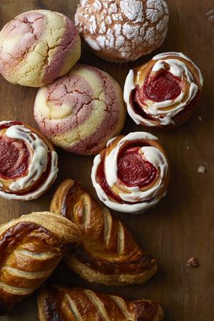 画像: Afternoon Tea BAKERY いちごのパン